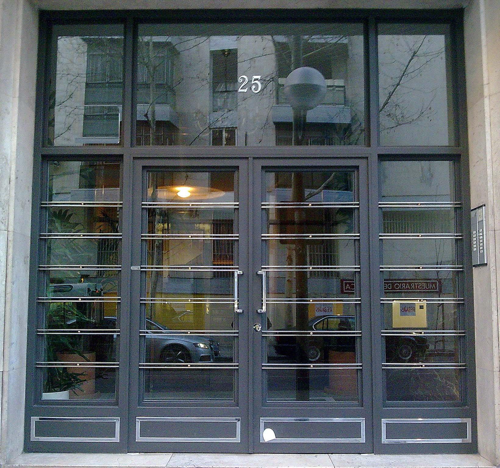 Puertas de hierro portales de forja decorativos for Precio de puertas de forja