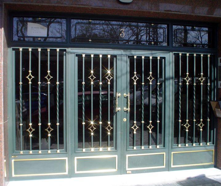 Puertas de hierro portales de forja decorativos for Precio de puertas de hierro